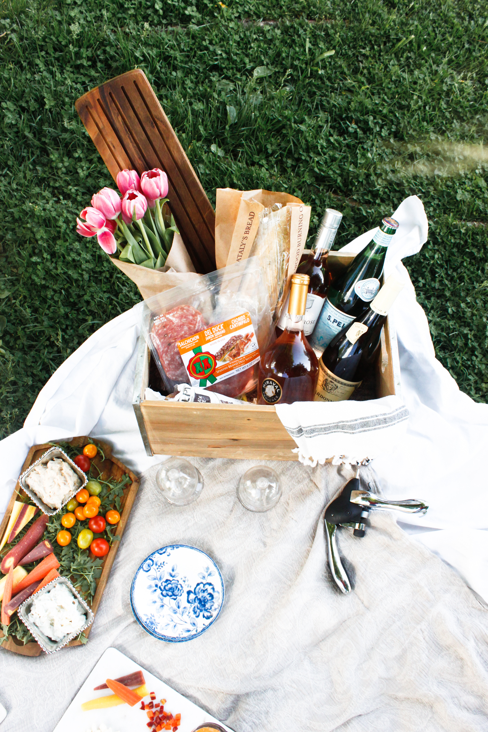 How To Pack The Perfect Picnic Basket Meg Mcmillin