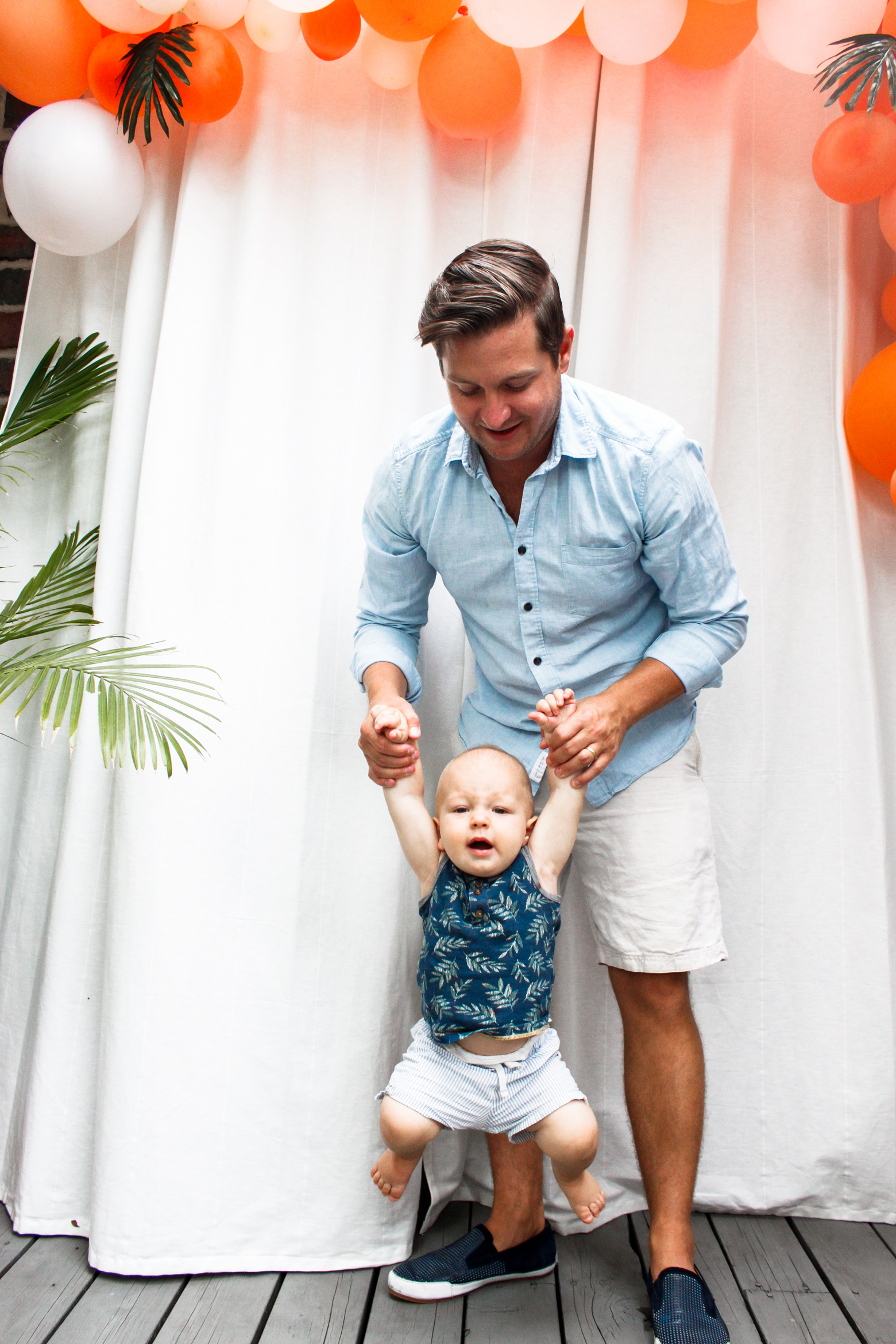 James Tropical Themed St Birthday Party Meg McMillin - Dad entertains 5 kids