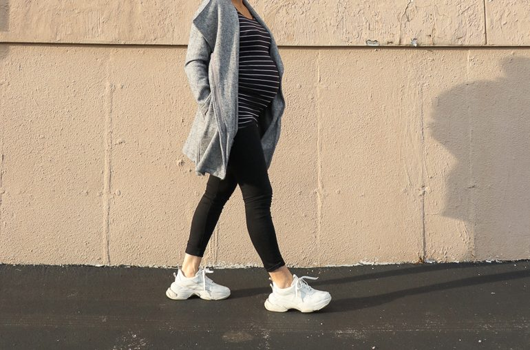 Fall maternity staples from A Pea in the Pod + the best designer maternity jeans to invest in during pregnancy!